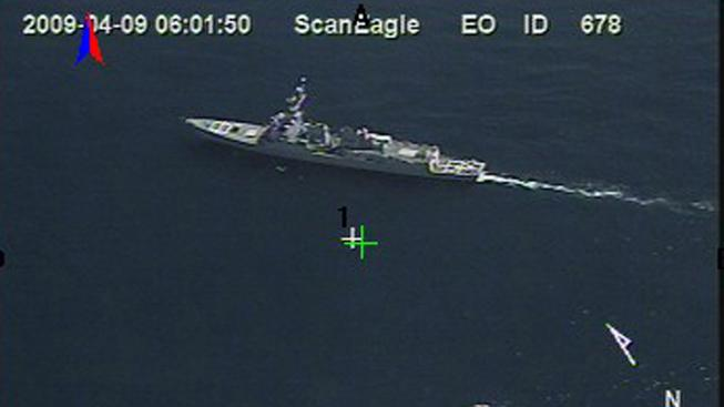 Aerial_surveillance_photo_of_the_USS_Bainbridge_while_apprehending_Somali_pirates_090409-N-0000X-136