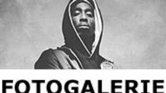 Tupac: Vzkříšení (Tupac: Resurrection)