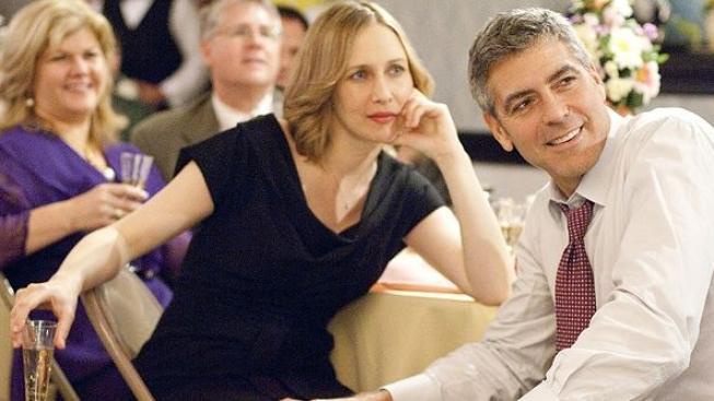 Lítám v tom: George Clooney s hlavou v oblacích