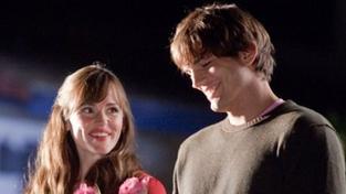 Film Na sv. Valentýna byl nejnavštěvovanějším snímkem o víkendu zamilovaných
