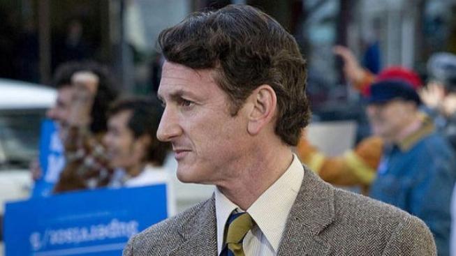 Z napadení fotografa byl obviněn herec Sean Penn