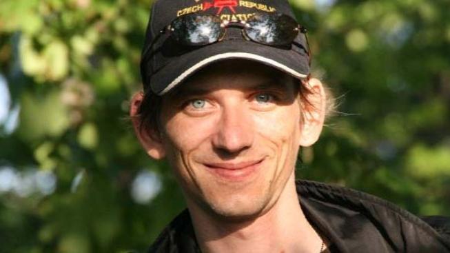 Jiří Strach točí moderní thriller Santiniho jazyk