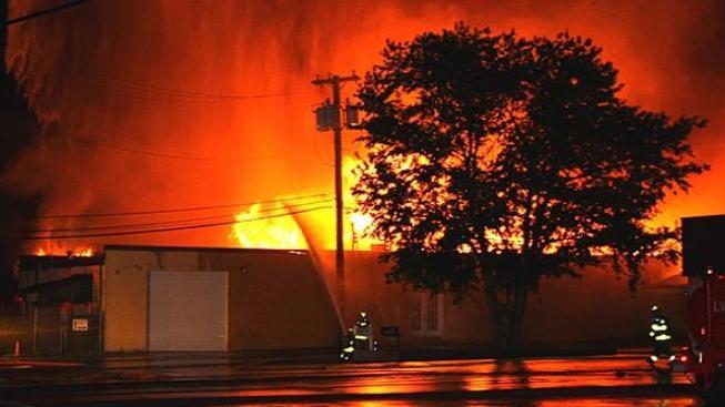 Filmová studia, ve kterých vznikl Pán prstenů poškodil požár