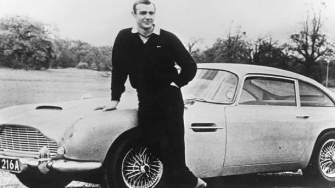 Slavný vůz Jamese Bonda bude na prodej