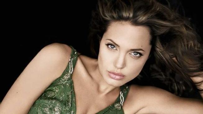 Angelina Jolie se objeví v roli Kleopatry