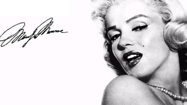 Róba Marilyn Monroe byla v aukci vydražena za několik milionů korun