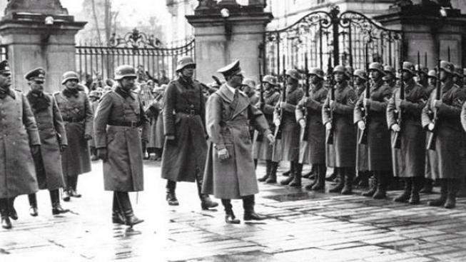 Film o Hitlerovi ukazuje, jak jsou Indové diktátorem fascinováni
