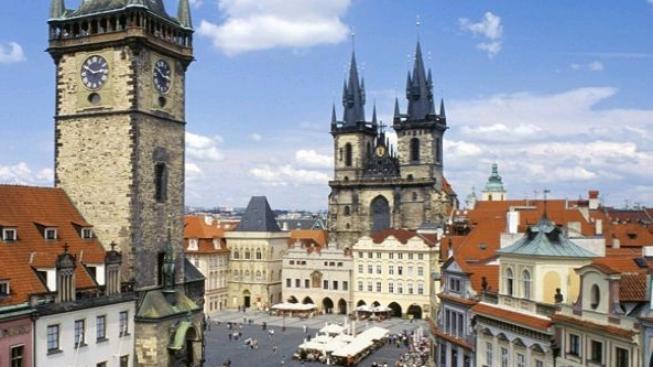 Režisér Stephen Weeks zfilmuje první ze svých pražských románů