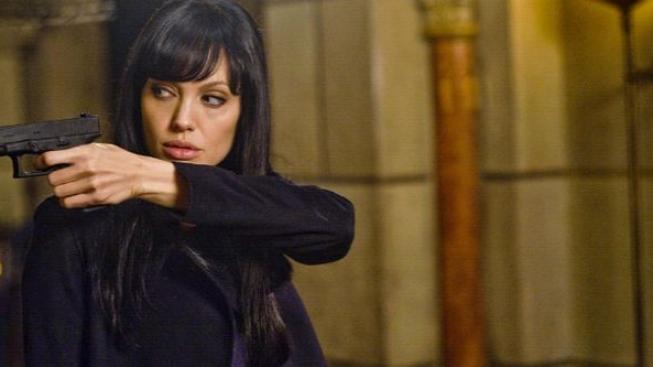 Angelina Jolie jako agentka na útěku v thrilleru Salt