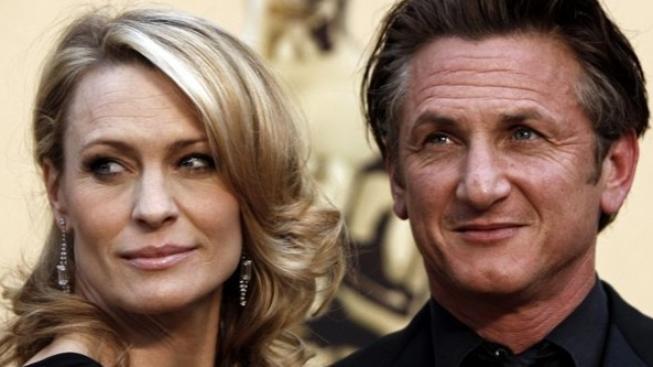 Sean Penn a Robin Wrightová jsou rozvedeni
