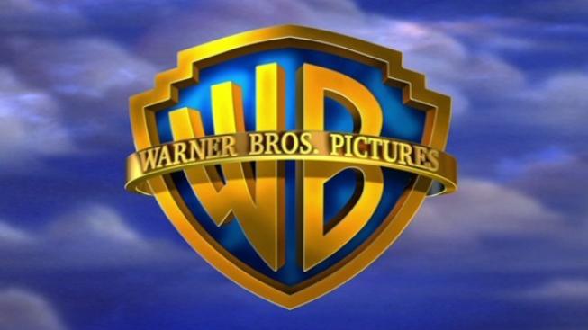 Zisk společnosti Warner Bros loni klesl, tržby však vzrostly