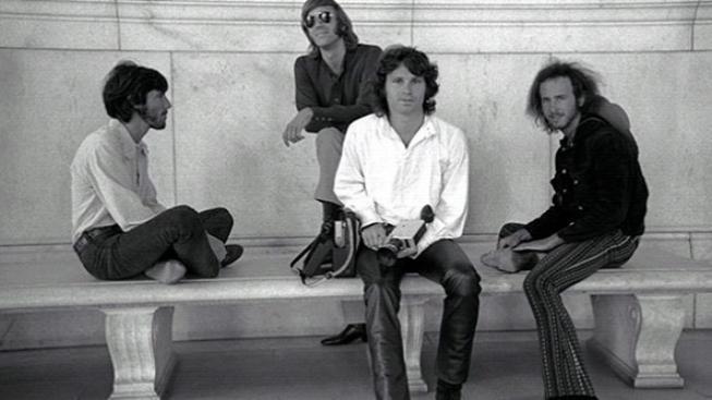 Režisér dokumentu The Doors sleduje zejména tragický osud Morrisona