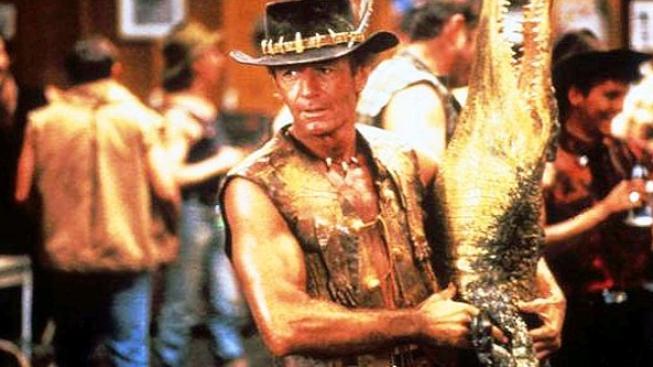Herec Paul Hogan, známý jako Krokodýl Dundee, nesmí kvůli dluhu z Austrálie