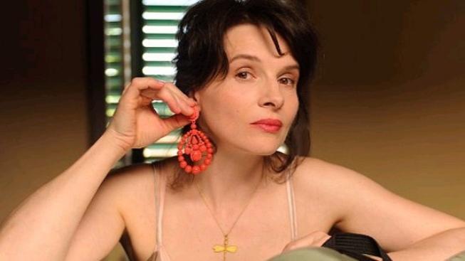 "Juliette Binoche: ""za urážkami herce Depardieua je zřejmě závist"""