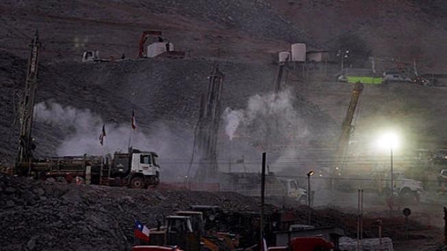 Chilský režisér chce zfilmovat příběh zavalených horníků
