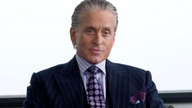 Premiéry filmu Wall Street se zúčastnil herec Michael Douglas
