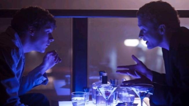 Film Sociální síť si chválí také jeho ústřední protagonisté, dvojčata Winklevossovi