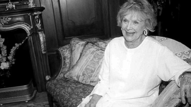 Gloria Stuart, stoletá herečka známá z Titanicu, zemřela