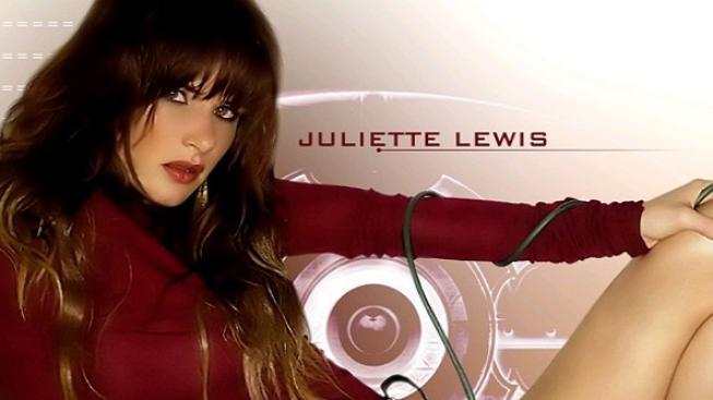 Herečka a zpěvačka Juliette Lewis měla dopravní nehodu