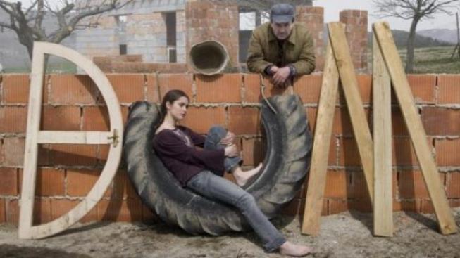 Do kin míří český film DŮM s Miroslavem Krobotem v hlavní roli
