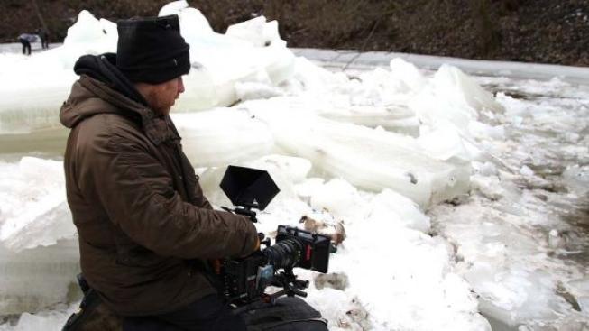 Skončilo obtížné natáčení zimních scén Cesty do lesa