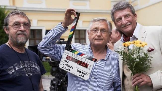 Sukničkáři Jiřího Menzela mají za sebou první týden natáčení
