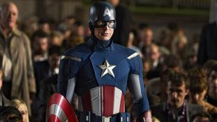 Avengers: Age of Ultron - očekávaný hit v chronologicky sestříhaném traileru