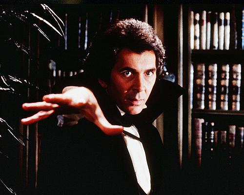 Frank-Langella-Dracula (1)