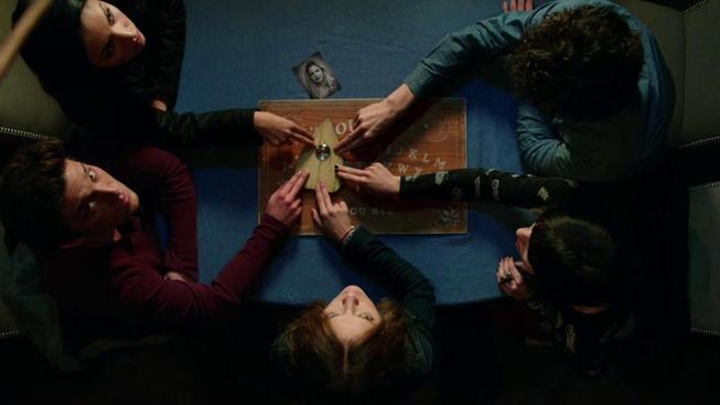 Akční film John Wick s Keanu Reevesem a horor Ouija překvapují úspěšným tažením v kinech