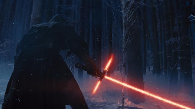 Star Wars: The Force Awakens - internet se baví nad červeným světelným mečem