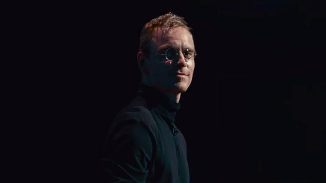 Fassbender se v teaseru představil jako Steve Jobs