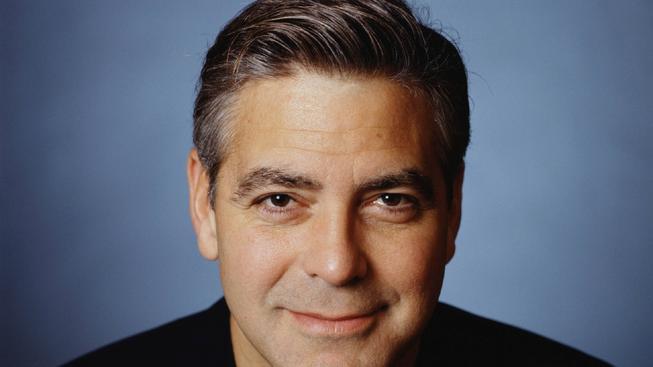 Květnovým hercům dominují Tom Hardy a George Clooney