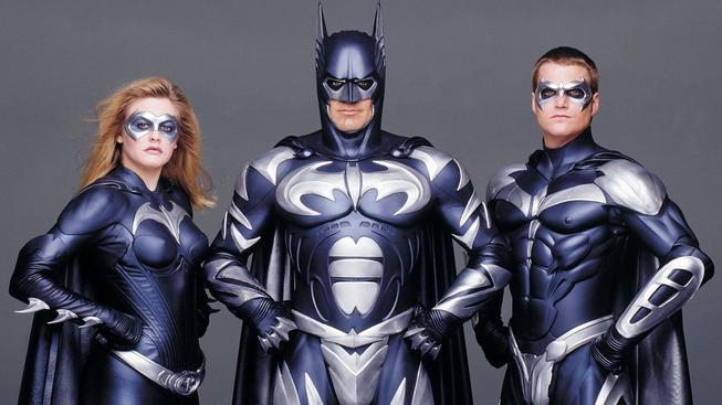 George Clooney se omluvil za zničení Batmana
