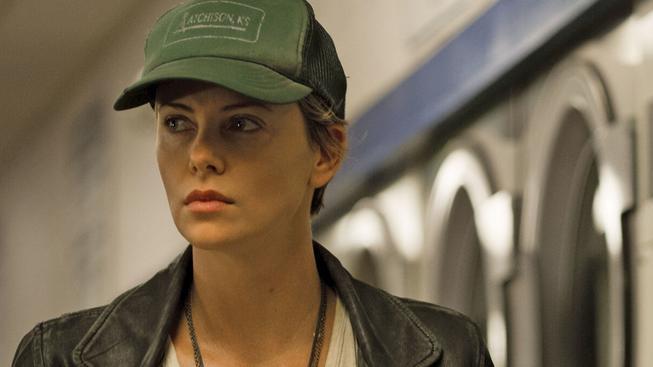 Temné kouty - recenze thrilleru s Charlize Theronovou