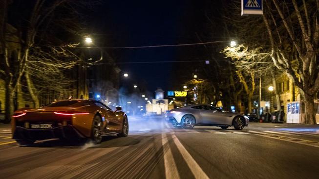 Bond své nepřátele v novém traileru na Spectre nešetří