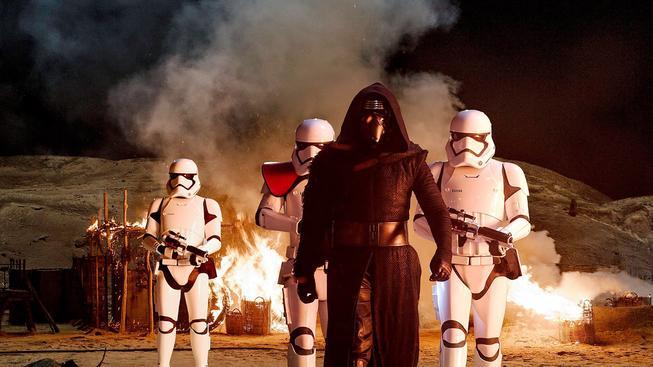 Star Wars: Síla se probouzí - první odhady tržeb naznačují fenomenální úspěchy
