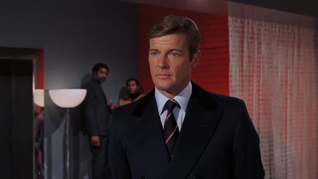 James Bond na oficiálních trailerech díl 3. - Roger Moore