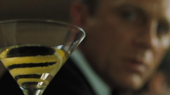 Martini. Protřepat, nemíchat