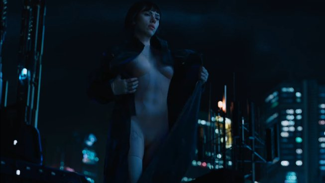 Nový spot na Ghost in the Shell ukazuje Scarlett Johansson v akci