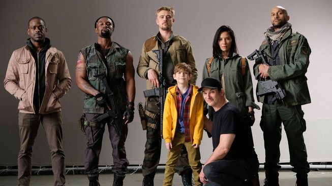The Predator 2018 cast