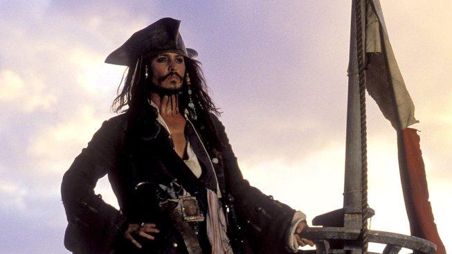 Podívejte se jak skutečný Jack Sparrow vítal návštěvníky Disneylandu