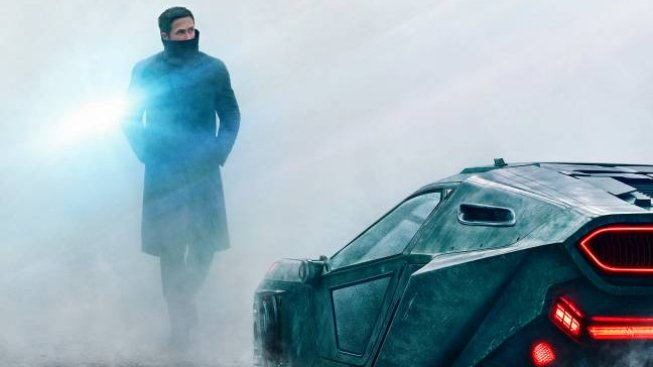 Aktualizace: podívejte se na Goslinga a Forda v traileru a na plakátech na Blade Runner 2049
