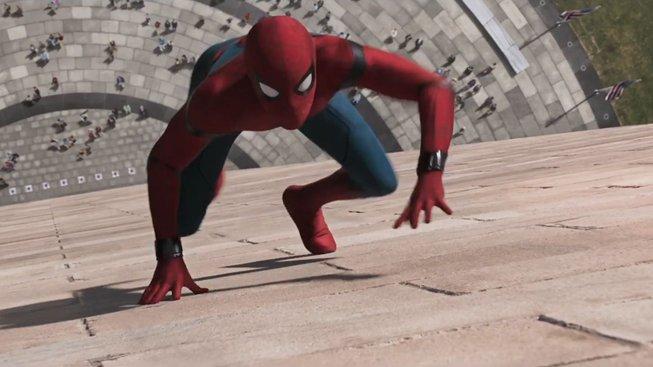 Spider-Man má v Homecoming oblek nacpaný nejnovějšími technologiemi