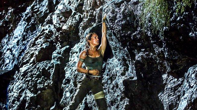 Alicia Vikander si v Tomb Raiderovi užije i lezení