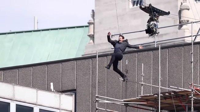 Cruise si při natáčení Mission Impossible 6 zlomil kotník