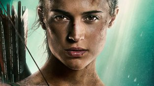 Na druhém plakátu k Tomb Raiderovi má Lara Croft už normální krk