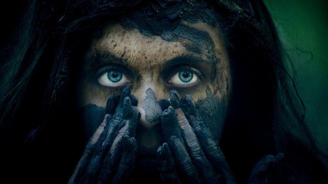 V novém hororu Wildling zachraňuje Liv Tyler dívku před okolím a okolí před ní