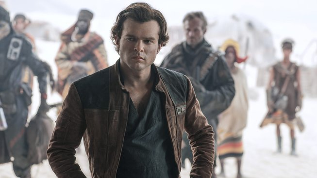Čerstvé drby k novým Star Wars: chaos na place a užitečný herecký kouč