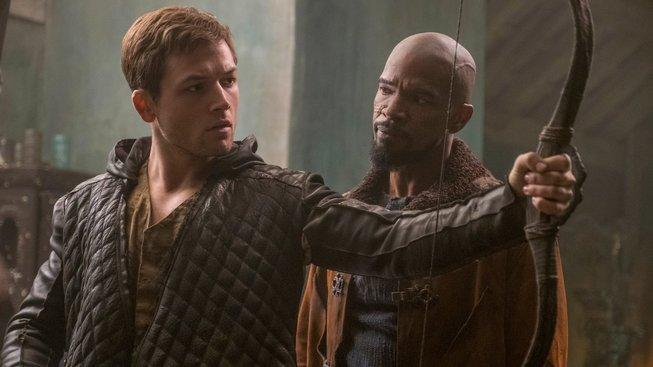 Mladičký Robin Hood odhaluje svou tvář v první ukázce