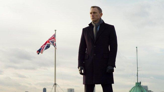 Posledního Bonda s Danielem Craigem natočí režisér Milionáře z chatrče